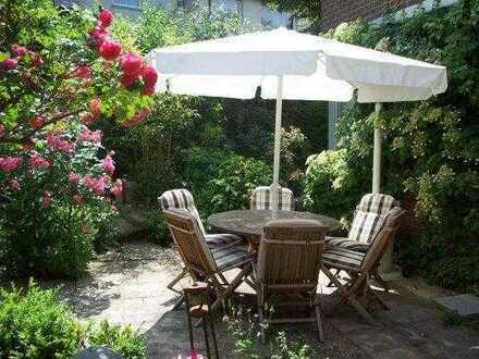 Sanierte 4-Zimmer-Hochparterre-Wohnung mit Garten und EBK in Heidelberg