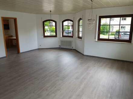 Naturnah und Zentral - Renovierte 4-Zimmer-Erdgeschosswohnung in Rommelsbach