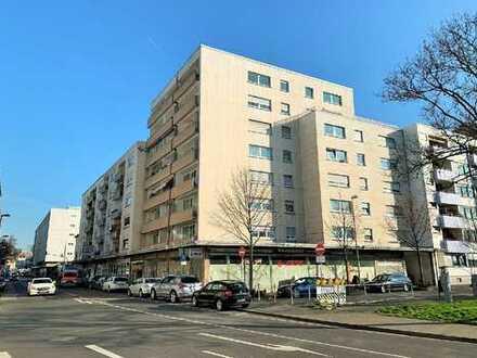 Große, vermietete 4 ZKB Etagenwohnung mit Aufzug und Balkon!