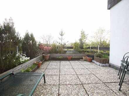 Dachterrassenwohnung mit Garage und Naturblick