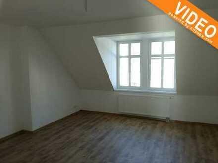Gut geschnittene 3 Zimmer-Dachgeschosswohnung, ideal auch für Studenten oder Familie