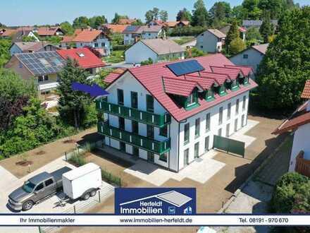 Schicke 3-ZKB-Neubau-Dachgeschoss-Wohnung mit Balkon in ruhiger Lage!