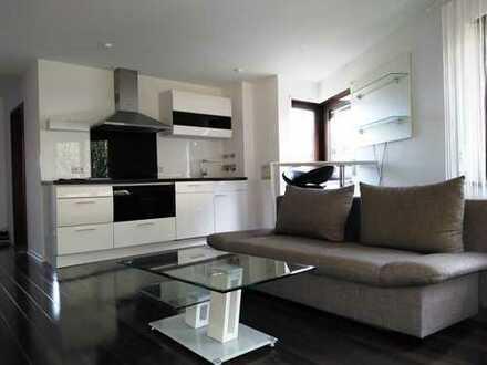 Gepflegte 2-Zimmer-Wohnung mit Einbauküche und 2 Terrassen in Uni - und Flughafennähe