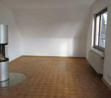 3-Zi-Wohnung Einbauküche/Kamin/Neue Fenster - keine WG möglich