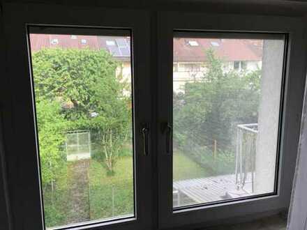 Möbliertes 16 m² Zimmer, 2er WG, für 6 Monate