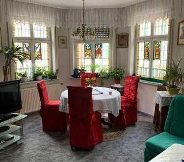 3–Zimmerwohnung 85 qm erstes OG im Jugendstilhaus mit großzügigem Wohnungsgrundriß