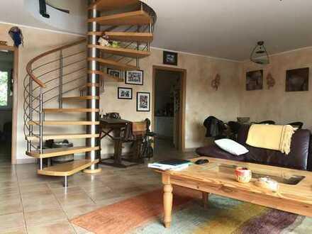Lichtdurchflutete Komfort Maisonette Wohnung im Herzen von DU-Buchholz
