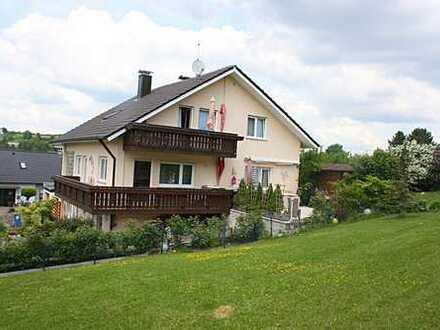 Tolles, freistehendes Einfamilenhaus mit Einliegerwohnung und großem Rasengrundstück in Walldürn