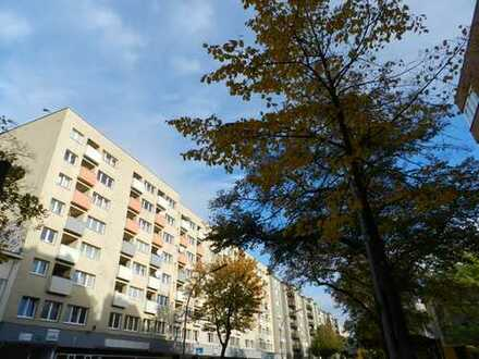 Praktische 2-Zimmer-Wohnung mit Balkon in der Prinzenallee ideal für Singles oder Pärchen