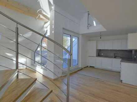 Erstbezug: Großzügige Galerie-Wohnung in ruhiger und gehobener Lage!