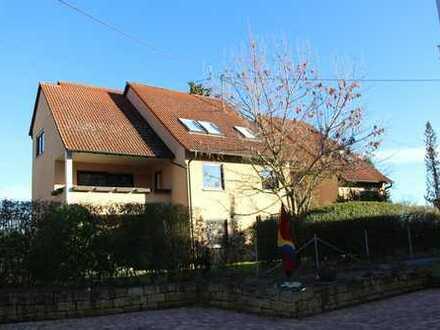 Schicke 3½-Zimmer-Dachgeschosswohnung mit Balkon und Aussicht in 70599 Stuttgart-Birkach