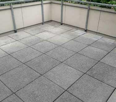 Neu saniert - Wohnen mit großer Terrasse