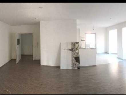 Stilvolle, modernisierte 3,5-Zimmer-Wohnung mit Balkon und Einbauküche in Backnang