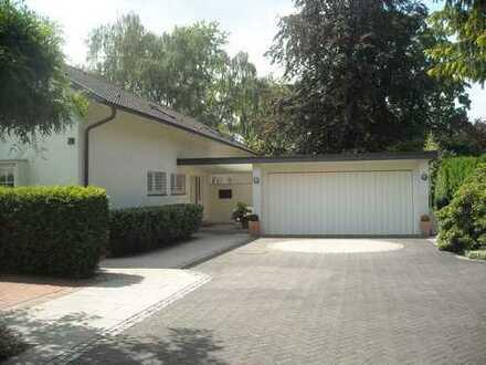 Schönes, geräumiges Haus mit acht Zimmern in Duisburg, Rahm