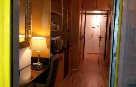 All inklusive, gepflegte mobilierte 1-Zimmer-Wohnung mit Balkon und EBK in Forstenried, München