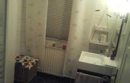 Wohnbereich ca. 45 qm mit separatem Bad im grossen Haus 185 qm günstig zu vermieten. Küche und Garte