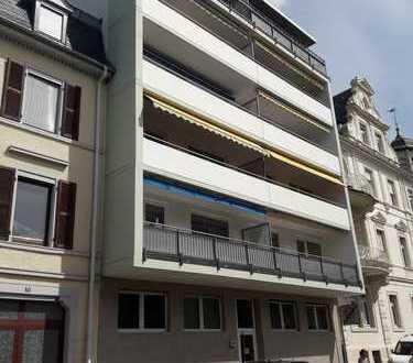 Gepflegte 3-Zimmer-Wohnung mit 2 Balkonen (W/O) in Baden-Baden