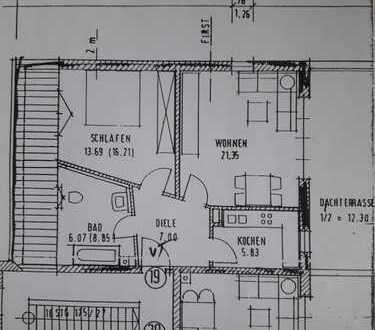 Gepflegte 2-Zimmer-DG-Wohnung mit Balkon und Einbauküche in Augsburg