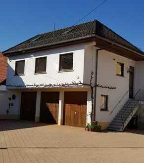 Gepflegte Wohnung mit drei Zimmern in Hochborn