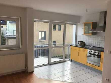 Attraktive 2-Zimmer-Wohnung mit Balkon und EBK in Chemnitz