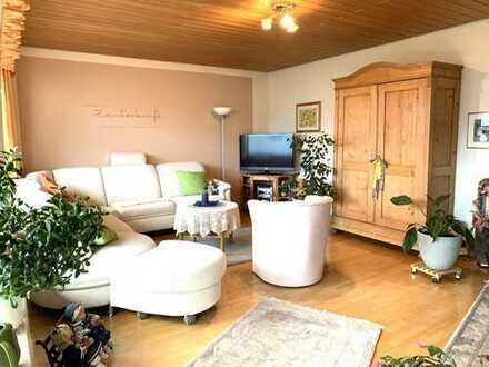 Geräumiges & ruhig gelegenes Reihenendhaus mit Studio, Kachelofen & verzaubertem Garten