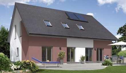 Großes Zweifamilienhaus auf riesigem Grundstück in Geisingen