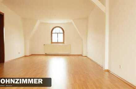 Wohnen am Schwanenteichpark! 3-Raum Dachgeschoss Wohnung wartet auf Sie.