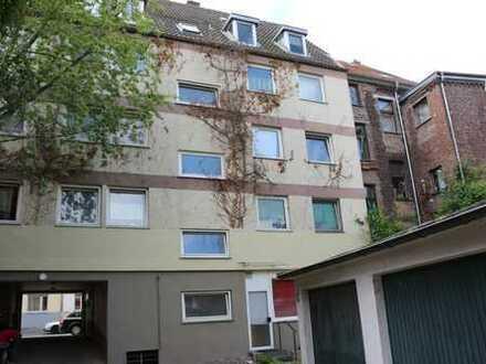 Klassiker im Rechtsrheinischen - 12 Wohnungen und 7 Garagen