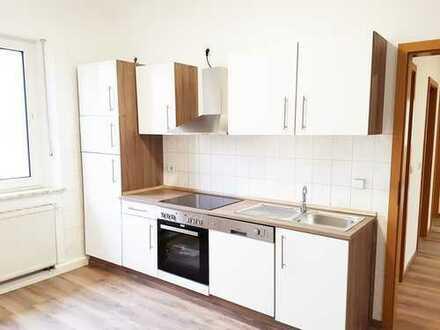 Frisch renovierte 5-Zimmer-Wohnung mit Einbauküche in Weiden