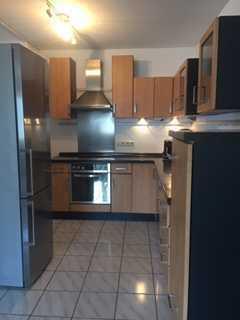 Gepflegte 5-Raum-Wohnung mit Einbauküche in Hessheim