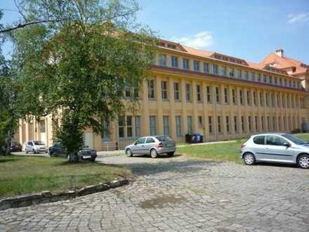 Büro/Produktion im Gewerbepark Heidestraße (ehemals Robotron Radeberg) provisionsfrei zu vermieten