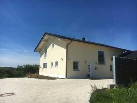 Schönes Haus mit sechs Zimmern in Loham, Gemeinde Mariaposching. Landkreis Straubing-Bogen