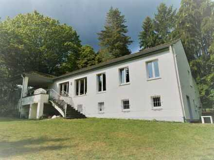 Freistehendes Einfamilienhaus in bevorzugter Lage am Redouten-Park!