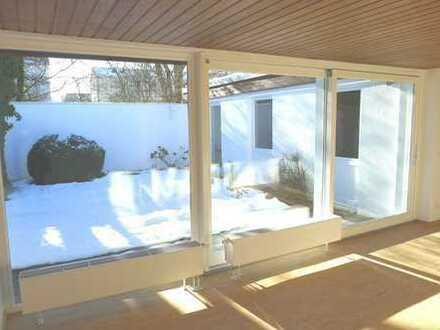 Rarität: Atrium-Bungalow mit Bauhaus-Flair in guter Lage !!!