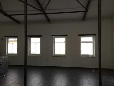 Neuwertige 1-Zimmer-Loft-Wohnung mit Einbauküche in Bitburg