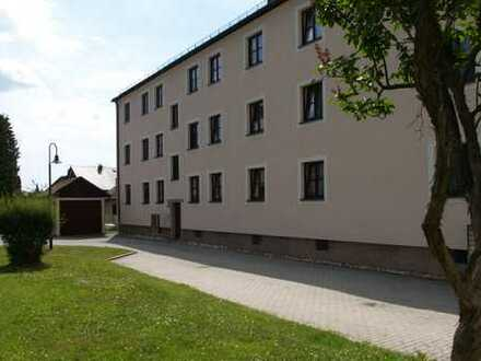 Wiesau . 3-Zimmer-Wohnung mit Balkon im EG