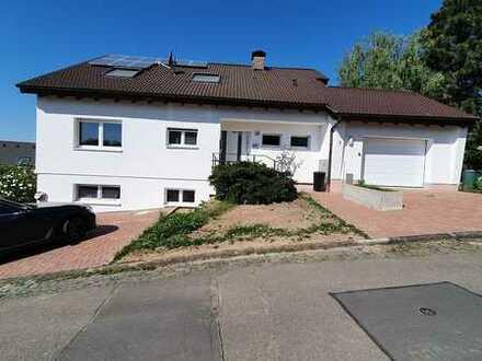 Bungalow mit 8 - Zimmern 220 ² zzgl. 80m² ELW oder Büro in Kleinostheim-Wingert, hell, Fernblick