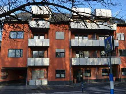 Lichtdurchflutete großzügige Maisonettewohnung mit 2 Balkonterrassen im Herzen von Bergheim