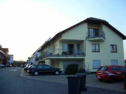 Im wunderschöne Haus sehr schöne helle Dach 2ZKBBalkon Einbauküche , Nackenheim bei Mainz