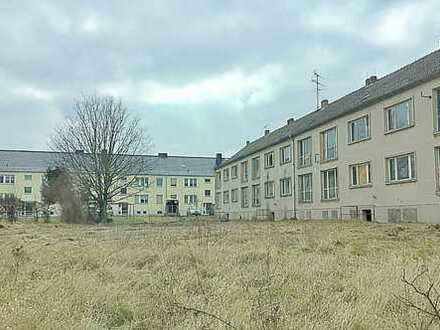 Unsaniertes Mehrfamilienhaus am Schloss!