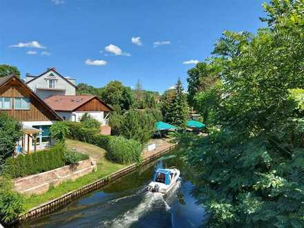 ***Ein Haus im Grünen -Wassernähe- unweit der Stadtgrenze Berlins mit eigenem Bootsanleger! ***