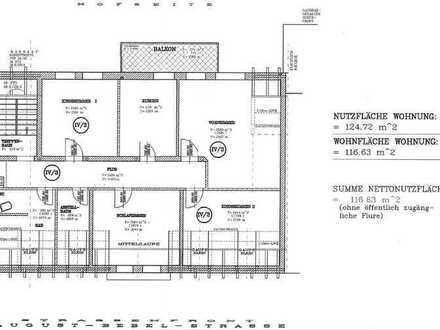 Sanierte 5-Raum-DG-Wohnung mit Balkon und Einbauküche in Falkenstein/Vogtland
