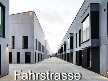 1.Wasserlage : neuwertige Loft-Wohnung im Schuppen Eins in sehr privater Lage mit Autofahrstuhl !