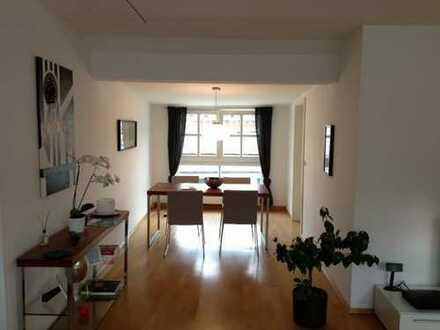 helle und ruhige 3 Zimmer Wohnung zentrale Lage