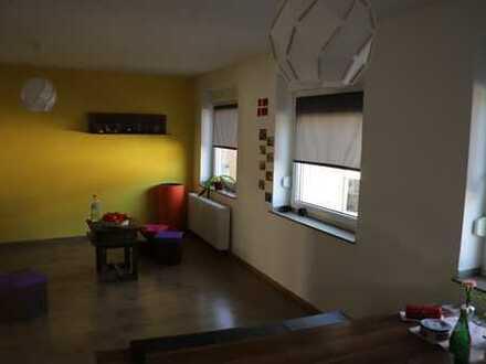 Helle 4-Zimmer-Wohnung mit Balkon im Zentrum von Dinslaken