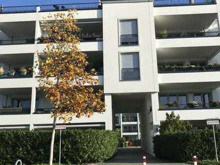 Geräumige 3 Zimmer Wohnung mit Balkon und EBK in Volmerswerth