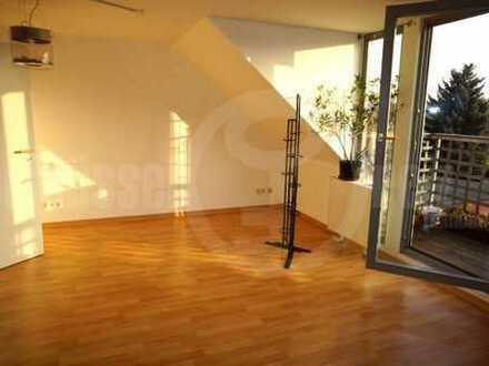 *Schnell sein! Knuffige Wohnung mit Balkon, Parkett und Fernblick in ruhiger Lage unweit der Elbe!*