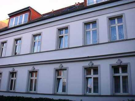 Ideal als Kapitalanlage - Vermietete 2-Zimmer Wohnung mit großem Balkon in Babelsberg