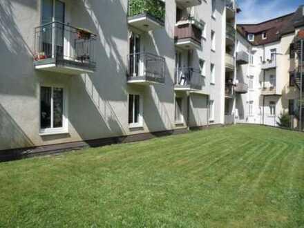 schöne- praktisch geschnittene 2- Zi. WE im HP- 67 m² Laminat- Bad mit Wanne & WM- Anschluss inkl.TG