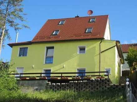 Einfamilienhaus in Höhenlage mit Einliegerwohnung und extra Bungalow